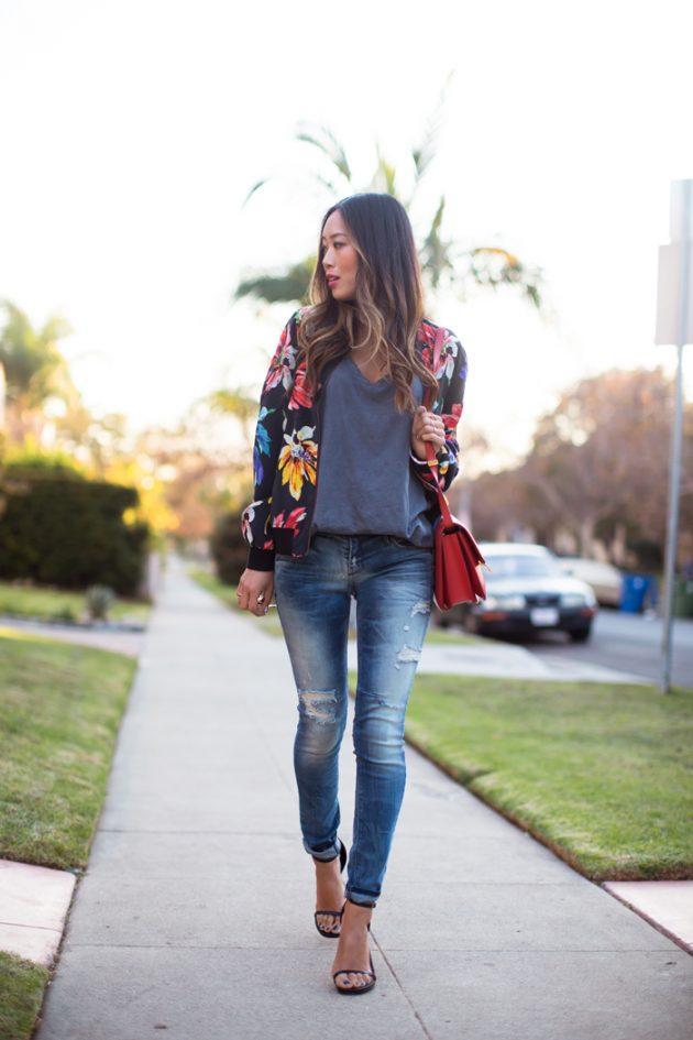 Kot pantolonla çiçekli ceket kombini