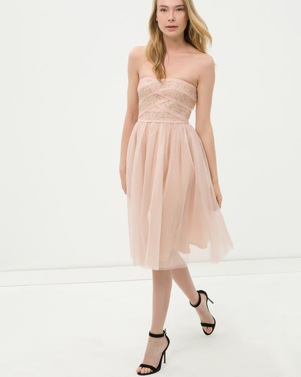 4119e630255ff 2019-2020 Mezuniyet Elbiseleri ve Fiyatları Kılavuzu   Kızlara Moda
