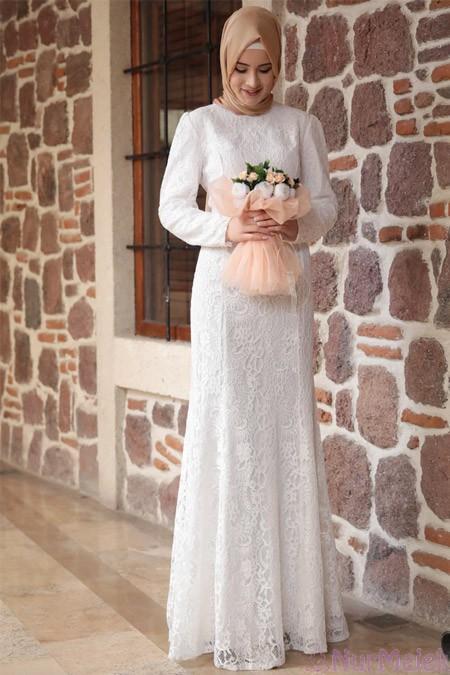 82864c7001ce0 Harika kesimli beyaz tesettür nikah elbisesi – Kızlara Moda
