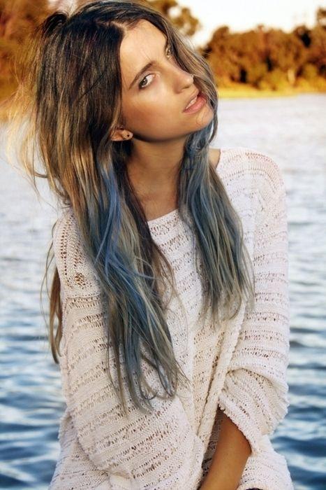Mavi Balyaj Ve Kısa Saça Mavi Balyaj Kızlara Moda